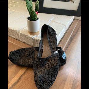 Black Lace Toms 😍 sz 9